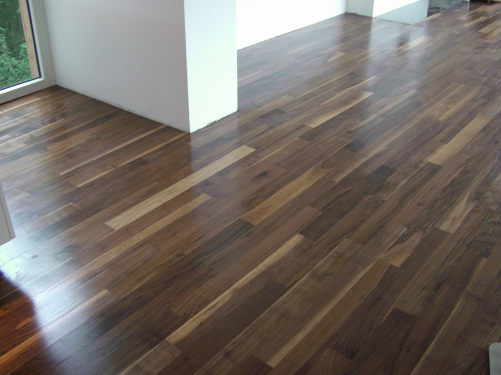 Achieve glossy finish of your concrete flooring hiring for Hardwood floors melbourne